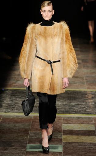 модные пуховики 2012, модные дубленки 2012